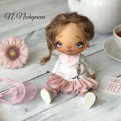 ‼️ДОМ НАШЛА‼️.  Кто читает хэштеги , тот знает, что готовы не только ангелы.  ИЩЕМ ДОМ‼️ Цена 7000₽ плюс почта.  Текстильная кукла, сшита из сатина! Стоит с опорой, сидит - самостоятельно ! Оплата на карту Сбербанка.  Кому малышку? Пишите в комментарии.     #Regram via @natasha_nechepaeva