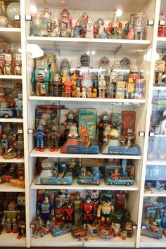 Another Cool Robot and Space Toys Showcase from Toys club.