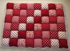 Make a puff quilt Bubble Blanket, Bubble Quilt, Patchwork Quilt Patterns, Patchwork Baby, Manta Quilt, Puffy Quilt, Bed Cover Design, Sewing Crafts, Sewing Projects