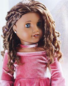 AG Custom Gabriela with Caroline Eyes American Girl Doll Shoes, Custom American Girl Dolls, American Girl Doll Pictures, American Doll Clothes, Ag Doll Clothes, American Dolls, American Girl Hairstyles, Girls Dollhouse, America Girl