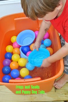 Tub of balls and bowls-water play for kids by FSPDT * This is a great activity for color recognition, simple counting, gross motor, langue building, and sensory play! Clean the ball pit balls too. Toddler Play, Baby Play, Toddler Preschool, Sensory Activities, Infant Activities, Sensory Play, Sensory Tubs, Summer Activities For Toddlers, Games For Kids