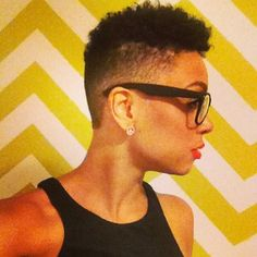 Low cut and shaved sides! This is so cute! #NaturalHair #TheCutLife