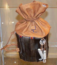 Bilderesultat for hanna duodji Native Style, Handicraft, Arctic, Finland, Safari, Folk, Reusable Tote Bags, Diy, Fashion