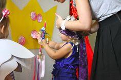 Fancy Nancy Party Game -- pin the diamond on the tiara
