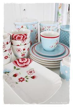 Greengate ... I have got to learn more about this! Beautiful.
