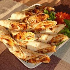 Tortillatekercs barbecue csirkével Recept képpel - Mindmegette.hu - Receptek Tortilla Burrito, Taco Pizza, Paleo, Quesadilla, Food Videos, Barbecue, Food Porn, Food And Drink, Healthy Recipes