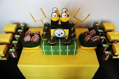 My husband is a HUGE Steelers  fan (which I guess makes me one too) and tonight we're throwing a little Super Bowl Party with some of our ne...