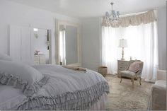 A room at Rachel Ashwell's bed & breakfast project called The Prairie. The linen ruffles on the bed are so lush! This photo comes by way of one of my favorite blogs, cotedetexas.blogspot.com