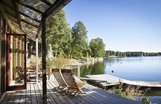 Ferienhaus am Strand, in Stockholm Archipel mieten - 1905207 (Beauty Landscapes Adventure) Travel Around The World, Around The Worlds, Stockholm Archipelago, Stockholm City, Hotels, Stay Overnight, Voyage Europe, Europe Destinations, Wonders Of The World