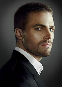 Stephen Amell...Good Grief He's Hot!!!!!