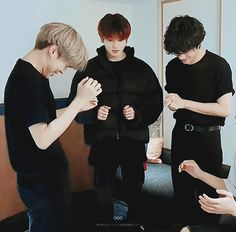 Find images and videos about gif, bts and jungkook on We Heart It - the app to get lost in what you love. Jungkook Funny, Vlive Bts, Jimin Jungkook, Bts Taehyung, Bts Bangtan Boy, K Pop, Jimin Birthday, Cute Funny Pics, Frases Bts