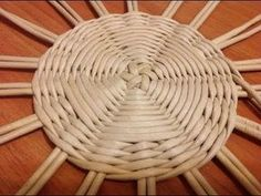 1 million+ Stunning Free Images to Use Anywhere Rope Basket, Rattan Basket, Wicker, Newspaper Basket, Newspaper Crafts, Diy Crafts Recycled Materials, Basket Weaving Patterns, Diy Straw, Paper Crafts Magazine