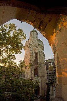 Quand la France abandonne ses joyaux… Qui sauvera ce sublime château du désastre ?