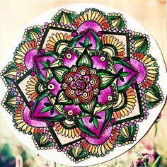 Scoprire se stessi attraverso il Mandala ❤️ #mandalas #mandalamonday #arte #drawing #arteterapia #disegno