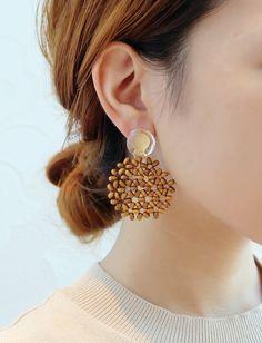 Pearl Necklace Designs, Jewelry Design Earrings, Ear Jewelry, Bead Jewellery, Diy Earrings, Polymer Clay Earrings, Resin Jewelry, Handmade Jewelry, Foot Bracelet