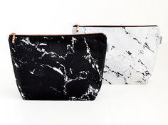 Marmor Tasche // schwarzer weißer Marmor von rennadeluxe auf Etsy