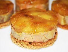 Mini tatins de foie gras sur pain d'épices, et compotée de pommes à la graisse de canard , flambées au calvados