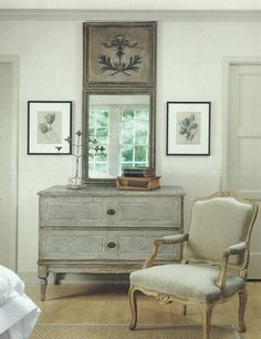 With Grey Painted Chests.French And Swedish Style. Eye For Design: Decorate With Grey Painted Chests.French And Swedish Style.Eye For Design: Decorate With Grey Painted Chests.French And Swedish Style. Swedish Decor, Swedish Style, French Decor, French Country Decorating, French Style, Swedish Design, French Interior, Country Interior, Scandi Style