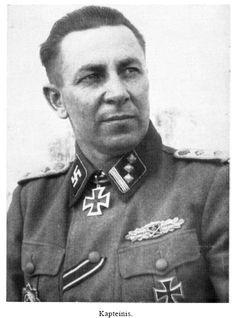 Žanis Butkus (29 Juli 1906 - 15 Mei 1999) Ritterkreuz (21 September 1944) : Waffen-Hauptsturmführer der SS dan Führer 10.Kompanie / Feld-Ersatz-Bataillon 19 / 19.Waffen-Grenadier-Division der SS (lettische Nr. 2)