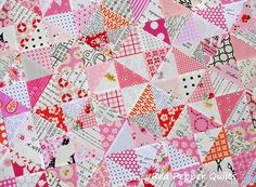 LOVE the pinks, whites and blacks in this lovely quilt! I'd like to try this hourglass quilt beauty! Red Pepper Quilts: [workinprogress] Hourglass Quilt