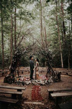 Woodland wedding ceremony inspiration | Image by India Earl