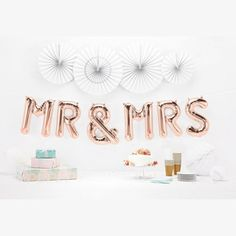 MR & MRS Rose Gold Balloon Garland!  Make a statement with this gorgeous garland!  Perfect for engagement parties, anniversaries and wedding!    #mrandmrs #wedding #celebrate #bride #bridetobe #wedding #weddingideas #weddingdecor #balloons #decor #garland #partyshop #afterpay #littlebooteekau...