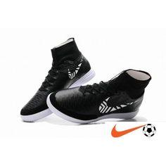 955663ed5bd1c Nike MagistaX Proximo IC Street Noir Blanc Indoor Court Chaussure De Foot -  Nike Magista Pas Cher