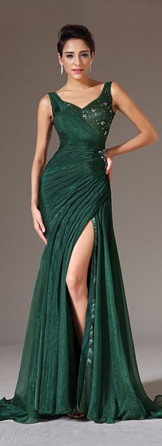 Shop gorgeous evening dresses at Vbridal. Find 2020 latest style evening gowns and discount evening dresses up to off. We provides huge selection of Cheap evening dresses for your choice. Dark Green Prom Dresses, Formal Dresses, Green Dress, Green Maxi, Green Silk, Beautiful Gowns, Beautiful Outfits, Stunning Dresses, Beaded Prom Dress
