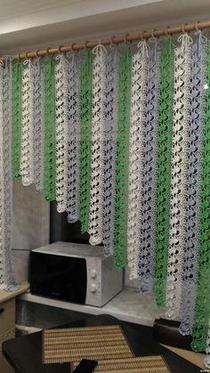Crochet Leaf Patterns, Crochet Bedspread Pattern, Crochet Leaves, Crochet Curtains, Crochet Mandala, Diy Curtains, Filet Crochet, Crochet Motif, Crochet Bunny