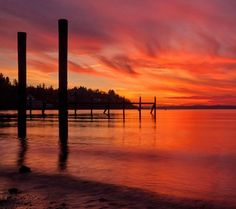 Here's another one for today because someone requested a #sunset photo. I haven't seen anything like this in #Seattle for a while but I'm counting on some impressive sunsets this summer! This one was from many years ago at my favorite little beach in #Ballard when I was living over there. I wish I still lived so close to the water. Anyway here ya go @cr.a.ig !