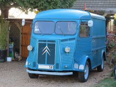 Citroen Type H, Citroen H Van, Citroen Car, Vintage Trucks, Buses, Cool Cars, Classic Cars, Vans, Motorcycle