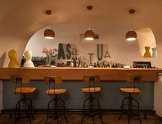 El primer restaurante italiano del grupo VIPS cumple 40 años y lo celebra con un cambio de look. Mue... - Copyright © 2014 Hearst Magazines, S.L.