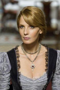 Kelly Reilly in Sherlock Holmes