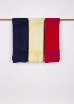 Title: Plaids 'The Teacher And The Taught' - NavyBlack, OffwhiteAcid & RedFuchsia Designer: Studio Truly Truly Material: 70% merino wool, 30% mohair Production: TextielLab Photo: Josefina Eikenaar/TextielMuseum