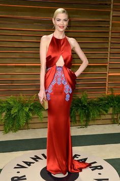 Jaime King Photos - Actress Jaime King attends the 2014 Vanity Fair Oscar Party hosted by Graydon Carter on March 2014 in West Hollywood, California. - Stars at the Vanity Fair Oscar Party Jamie King, King Fashion, Star Fashion, Fashion Models, Women's Fashion, Fashion Details, Fashion Trends, Graydon Carter, Glamour