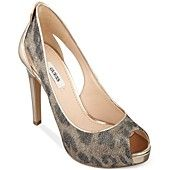 GUESS Women's Harrahly Pumps