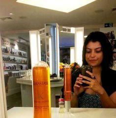 Teste cabelo: Hidratação instantânea! - você não precisa ficar meia hora com o produto na cabeça para ver o resultado.