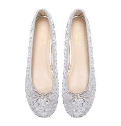 Silver Anemone Marchas feature a synthetic upper covered in silver sequence, Marcha printed lining and a nude polyurethane insole. The silver goes great with jeans – giving any casual look a. Ballerina Flats, Cute Woman, Casual Looks, Lady, Girls, Silver, Shoes, Women, Fashion