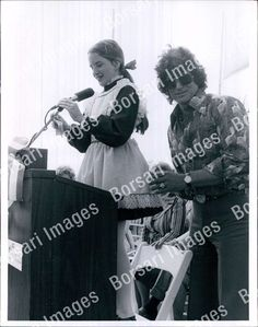 PB PHOTO abb-079 Melissa Gilbert Actress with Michael Landon | eBay