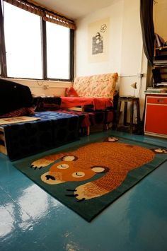 LOOOVE the bear rug for a child's room! Casa Kids, Bear Rug, Chula, Banquettes, Kid Spaces, Kids Bedroom, Kids Rooms, My Living Room, Decoration