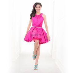 Este vestido é tão divertido que é difícil ficar quieta! Vem saber porquê www.jaquelineroxo.com