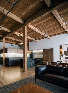 This interior renovation project by LINEOFFICE is a 110 sqm loft in the SOMA neighborhood of San Francisco, California. More Loft renovation ideas on Residential Architect, Architect Design, Cabinet D Architecture, Interior Architecture, Interior Modern, Interior Doors, Walnut Doors, San Francisco, Modern Loft