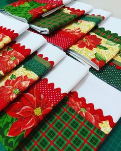 Dish Towels, Tea Towels, Christmas Towels, How To Make Money, Patches, Gift Wrapping, Quilts, Sewing, Crochet
