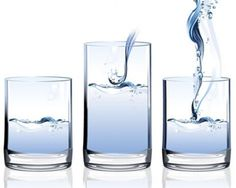 stock vector water in glas glaswand
