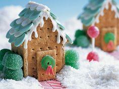 bonbon, gourmandises sucrées, sucre glace, chocolat, maison à croquer, neige, déco gourmande, biscuit, chamallow, marshmallow, bonbon, sucette, fondant, glace royale, idée spéciales fêtes, noël, recette original