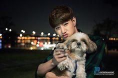 got7 mark and a dog ~ I wish I was that dog xD