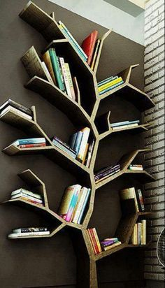 Great book shelving idea!!