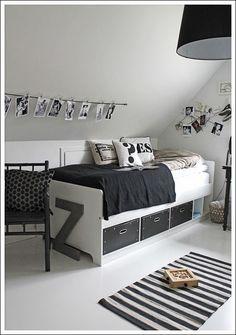 Leuke manier om foto's of tekeningen op de kamer op te hangen.