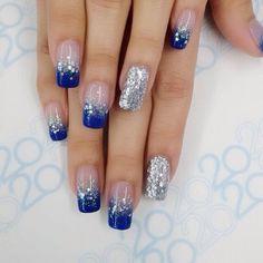 Nails artist blue and silver nails, dark blue nails, royal blue nails, snow Blue And Silver Nails, Navy Blue Nails, Blue Glitter Nails, Blue Acrylic Nails, Silver Glitter, Sparkle Nails, Cute Nails, Pretty Nails, Cowboy Nails