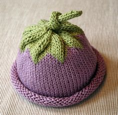 Berry Baby Hat - free Knitting pattern